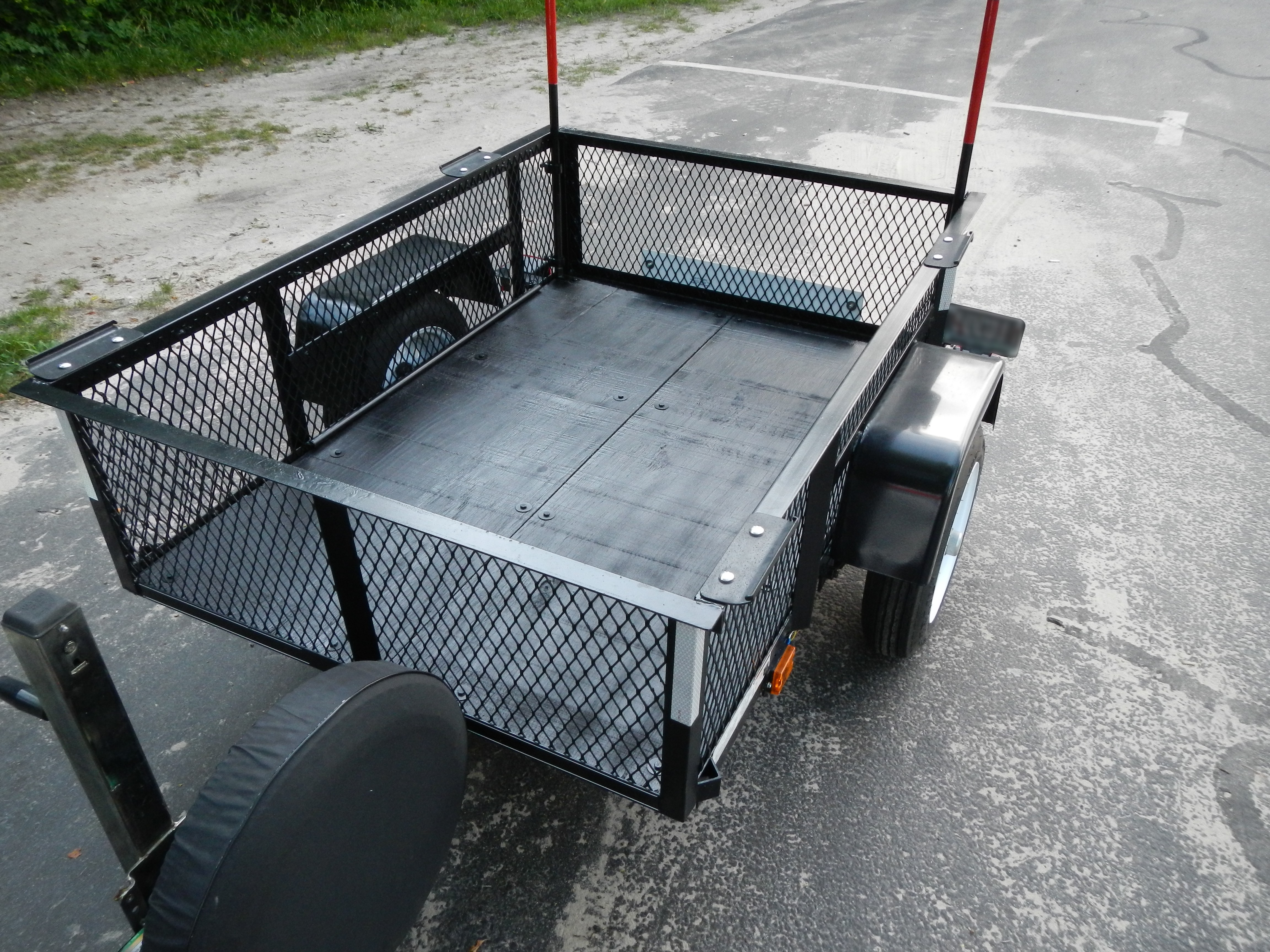 An Unexpected Review: Carry-On 3.5X5LSHS Utility Trailer | Captain ...